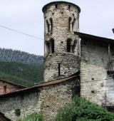 Arrenquen les caminades guiades dels dimecres d'agost a l'Alt Urgell amb una visita al Castellot d'Ars