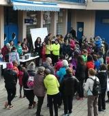 Prop de 200 persones participen a la Seu en la cursa-caminada contra la violència envers les dones