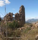 Arrenquen les caminades guiades dels dimecres d'agost a l'Alt Urgell amb una visita al castell d'Aguilar, al municipi de Bassella