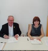 """Signatura del conveni de col·laboració entre ASPID, pertanyent al grup Incorpora de """"la Caixa"""", i la Fundació Integra Pirineus"""